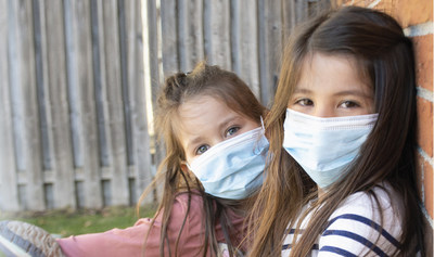 Medicom SafeMask® Architect™ JR pediatric masks are designed specifically to fit children's smaller faces. They provide the same reliable protection as our medical masks that protect millions of healthcare professionals around the world every day, while offering the enhanced comfort children need. (CNW Group/AMD Medicom Inc.)