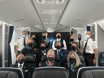 WestJet flight WS20 prepares for take-off. (CNW Group/WESTJET, an Alberta Partnership)