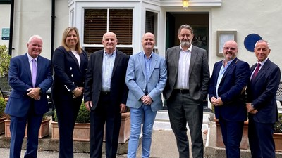 Happy about the signing of the contract, from left to right: Simon Ashcroft (Achieve), Claire Gathercole (Finance Director Leadec UK), Peter Barker (Director PiH), David Twemlow (Director PiH), Lee Smith (Managing Director Leadec UK), Malcolm Twemlow (Director PiH) and Mark Roberts (Achieve).
