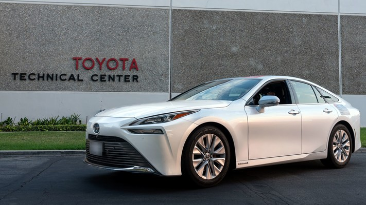 The 2021 Toyota Mirai has officially set the GUINNESS WORLD RECORDS title for the longest distance by a hydrogen fuel cell electric vehicle without refueling; achieving an unprecedented 845 miles driven on a single, five-minute complete fill of hydrogen during a roundtrip tour of Southern California as it set the record.